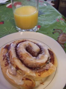 Christmas Morning Cinnamon Roll
