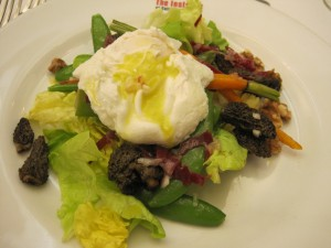 Poached egg salad